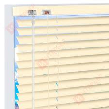 Горизонтальные алюминиевые жалюзи на пластиковые окна - цвет светлая слоновая кость